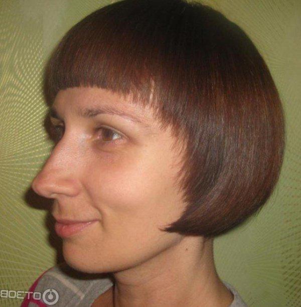 Фото причёсок с чёлкой на лбу