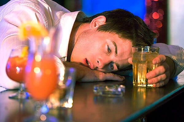 Как бороться с алкоголизмом и стоит ли
