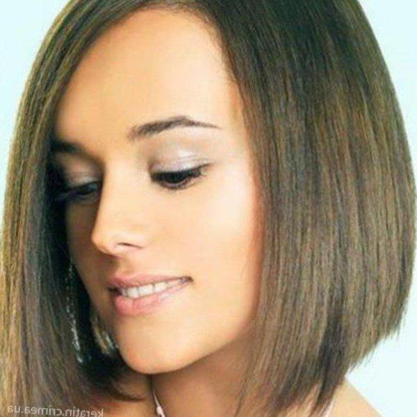 Стрижка каре с удлинением на тонкие волосы с челкой для