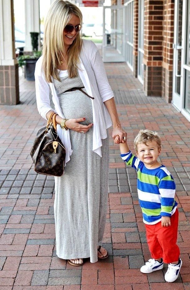 Модные луки для беременных 38