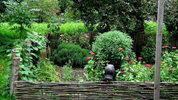 Деревенская изгородь своими руками 60