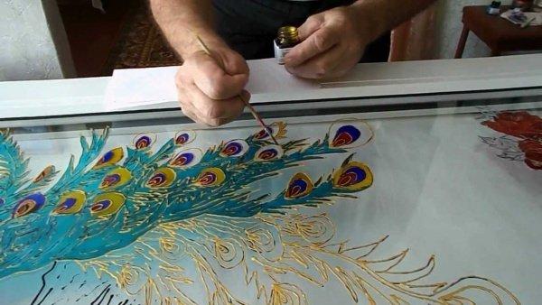 Чем рисовать узоры на стекле своими руками 82