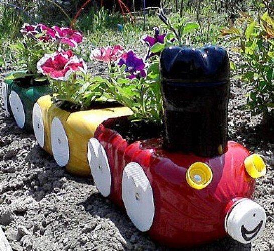 Поделки из пластика своими руками для огорода