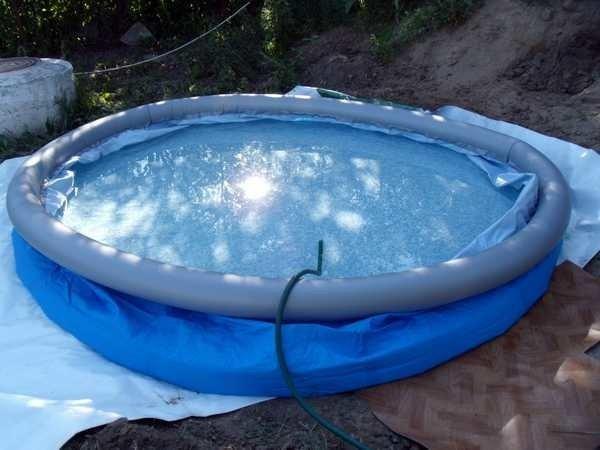 Як знайти дирку в басейні фото 336-597
