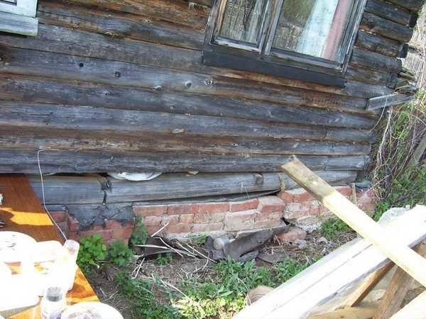 Ремонт деревянного дома своими руками дешево