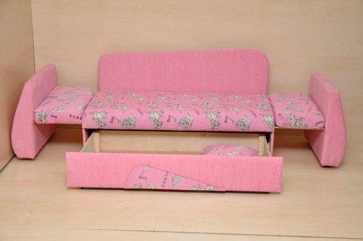 Сделать диван для ребенка своими руками 92