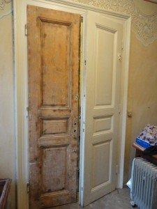 Как обновить деревянную дверь своими руками 874