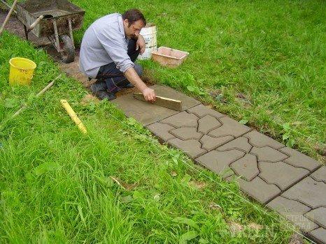 Садовые дорожки своими руками фото из подручного материала