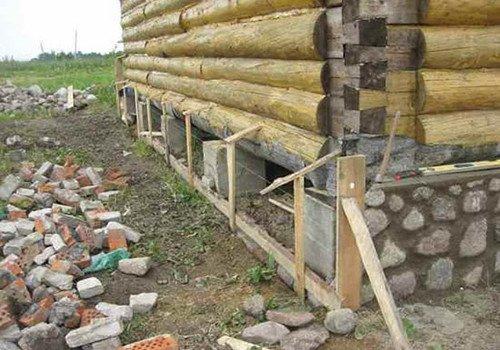Как правильно сделать завалинку у деревянного дома 574