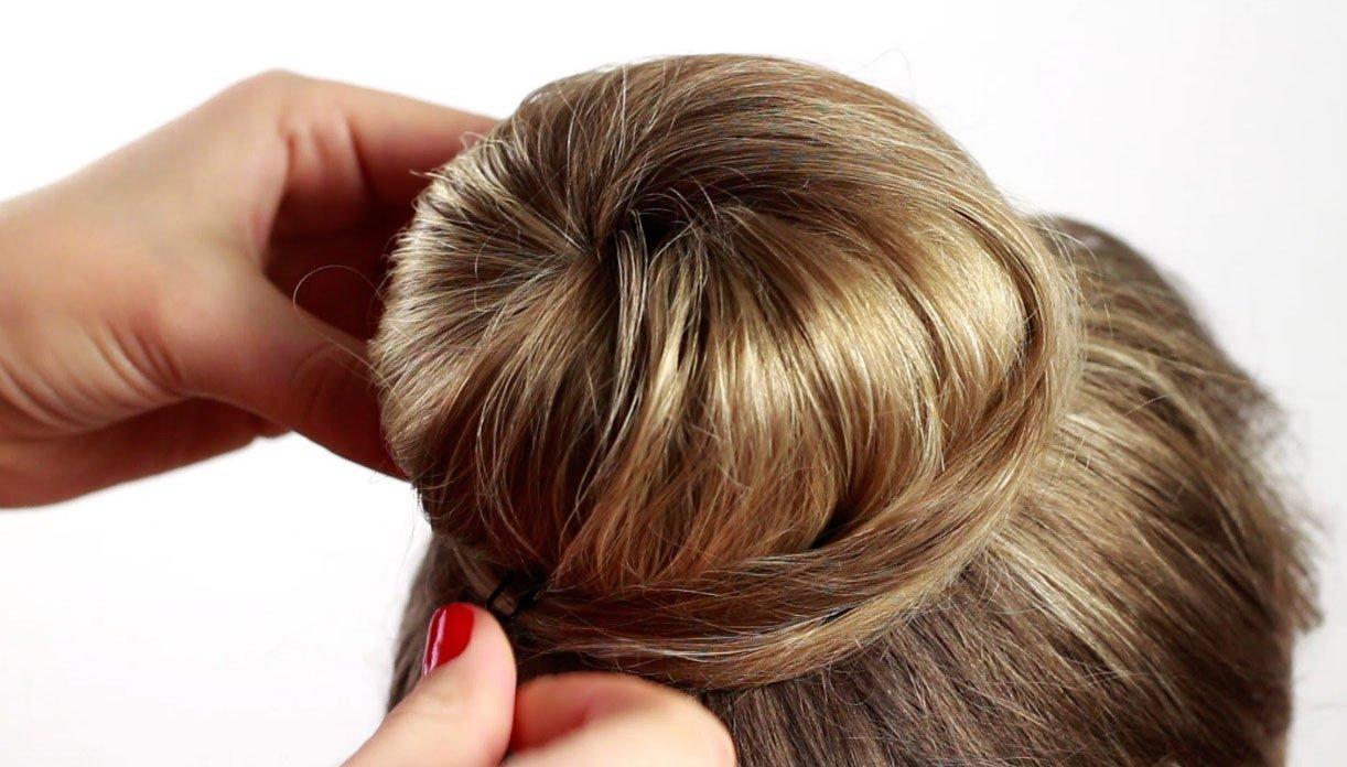 Сделать прическу из валика для волос