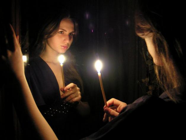 приворот на любовь девушки с зеркалами