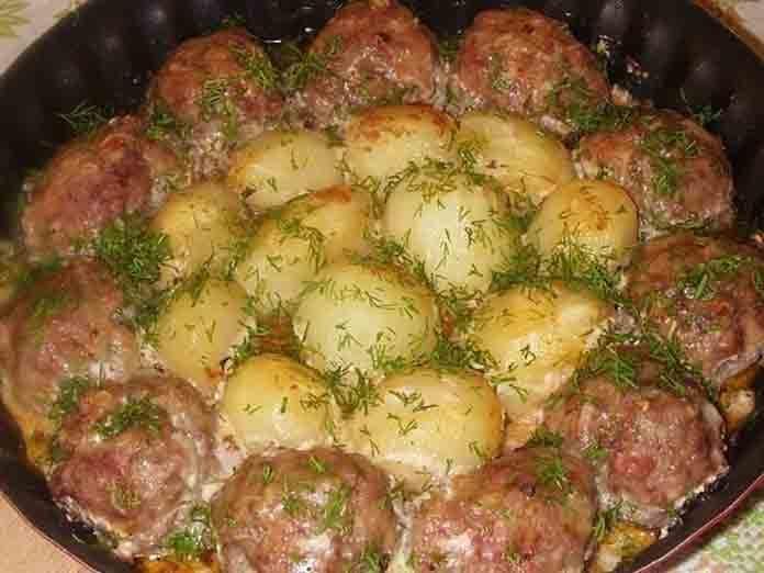 Рецепт котлет из фарша в духовке пошагово с картофелем