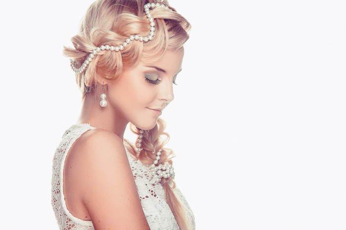 Фото свадебных причесок с бусинами