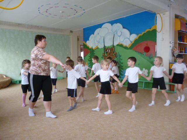 Зарядка для дітей 3-4 років у дитячому садку Дитини