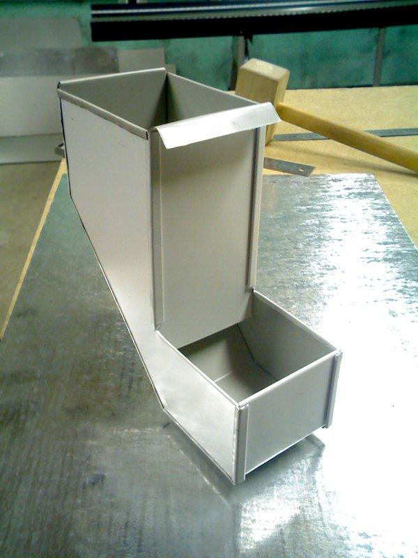 Бункерная кормушка для кроликов своими руками фото