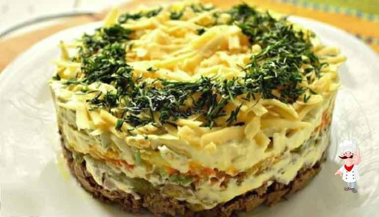 Салат з курячою печінкою дуже смачний